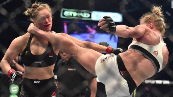 151115112336-ronda-rousey-knocked-out-holly-holm-ufc-upset-pkg-00002408-super-169