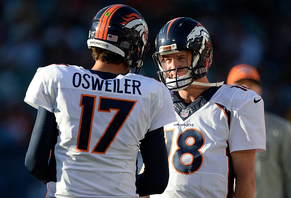 denver-broncos-quarterbacks-brock-osweiler-and-peyton-manning