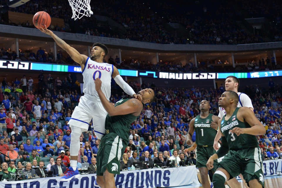 2017-03-19T213804Z_816751316_NOCID_RTRMADP_3_NCAA-BASKETBALL-NCAA-TOURNAMENT-SECOND-ROUND-KANSAS-VS-MICHIGAN-STATE