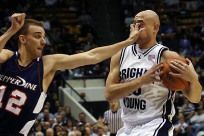 basketball-eye-gouge
