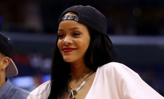 rihanna-at-los-angeles-clippers-basketball-game_1_1060x644